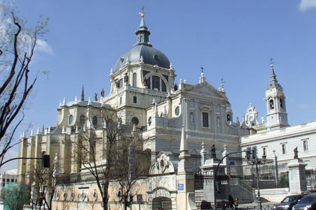 Tour Madrid Rio Plus. Catedral de la Almudena